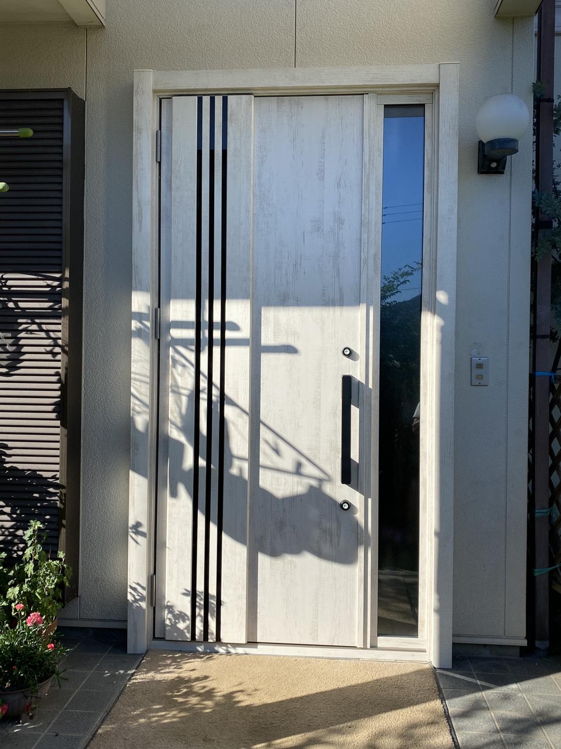 M Baseの*玄関ドアの入替え工事*の施工事例写真